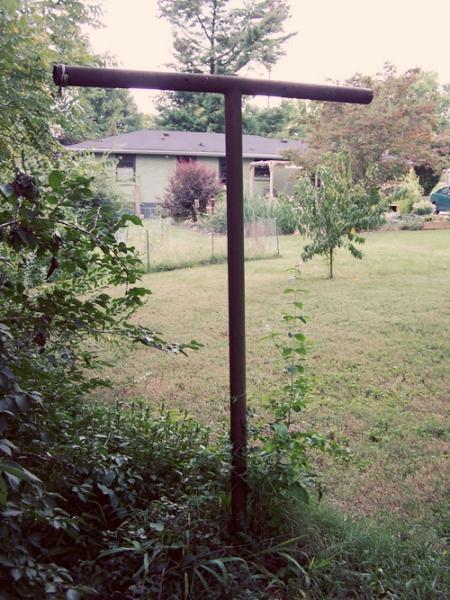 clotheslinepole