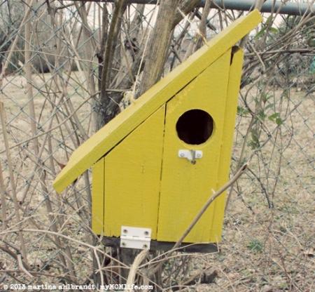 Mid-Century Modern Birdhouse - myMCMlife.com